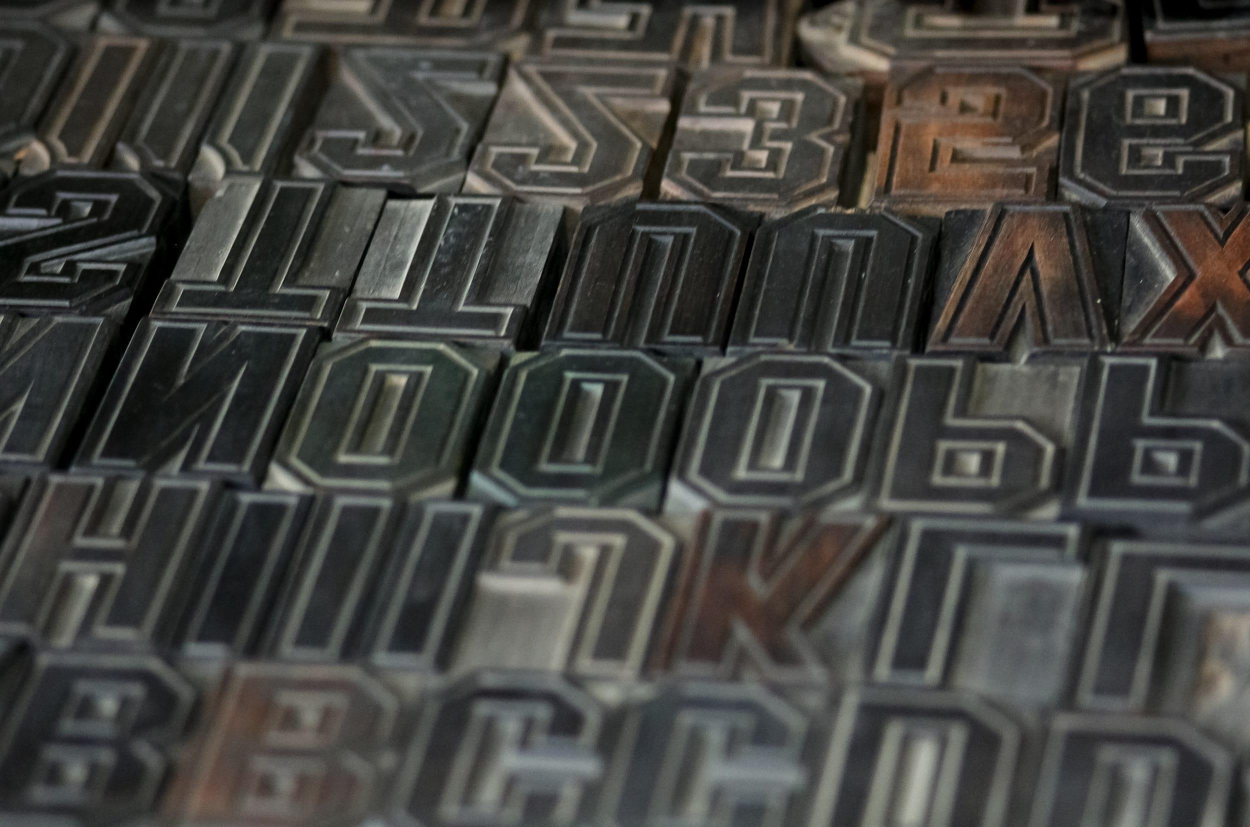 Les fabricants de caractères bois à Bressuire