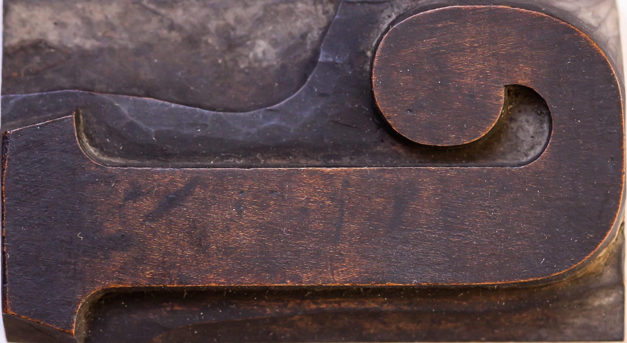 Comment se fabriquent les caractères bois