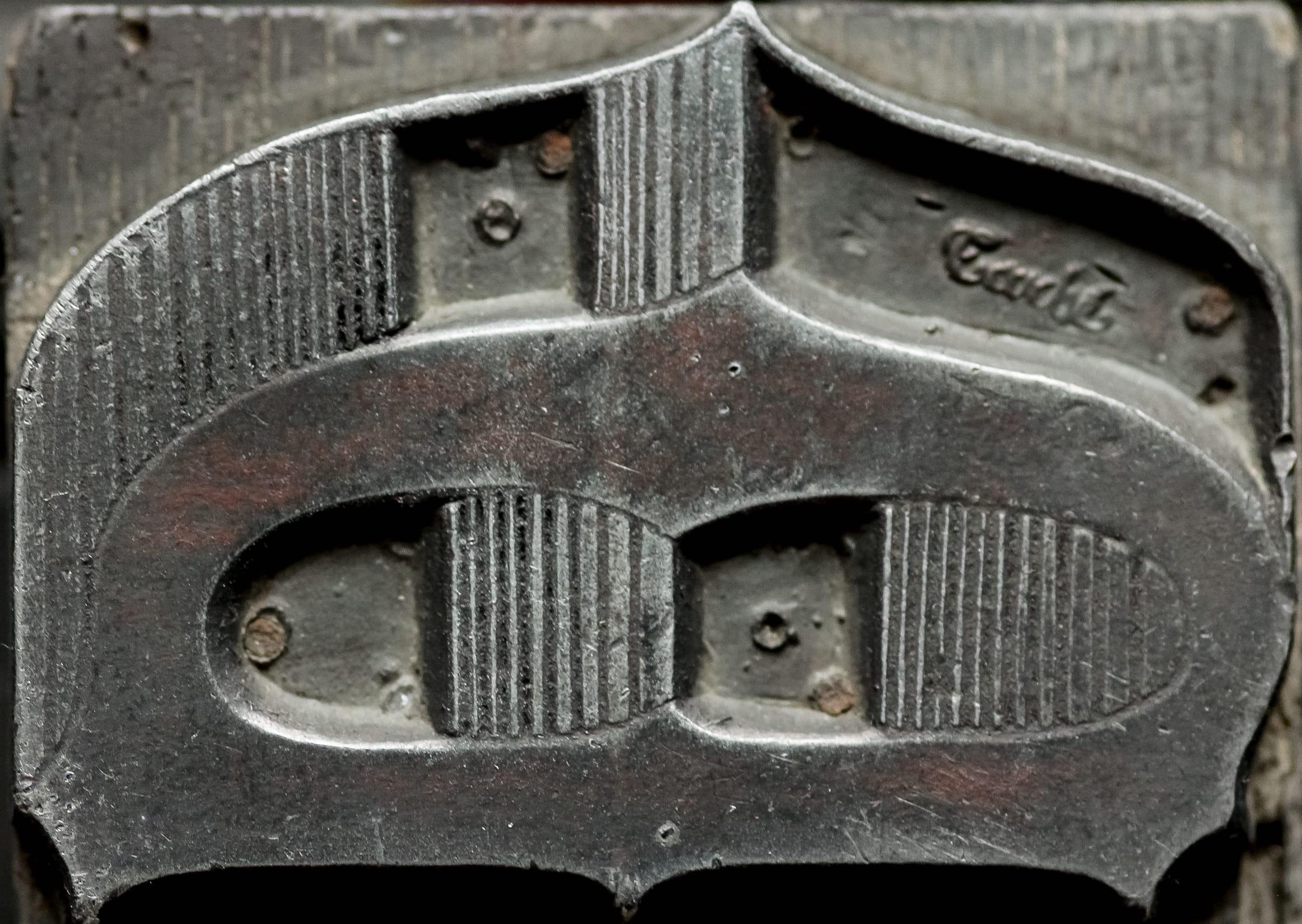 Caractère polytypé de la fonderie Tarbé